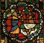grand-prêtre à l'encensoir vitrail.jpg
