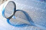 bible avec loupe.jpg